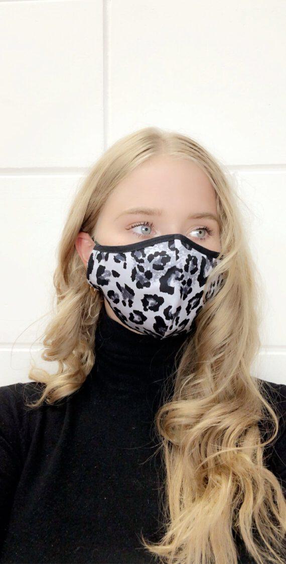 Print 24 mondmasker panter
